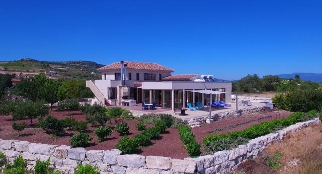 Villa Ampelitis auf Zypern: barrierefreies Ferienhaus im Mittelmeer
