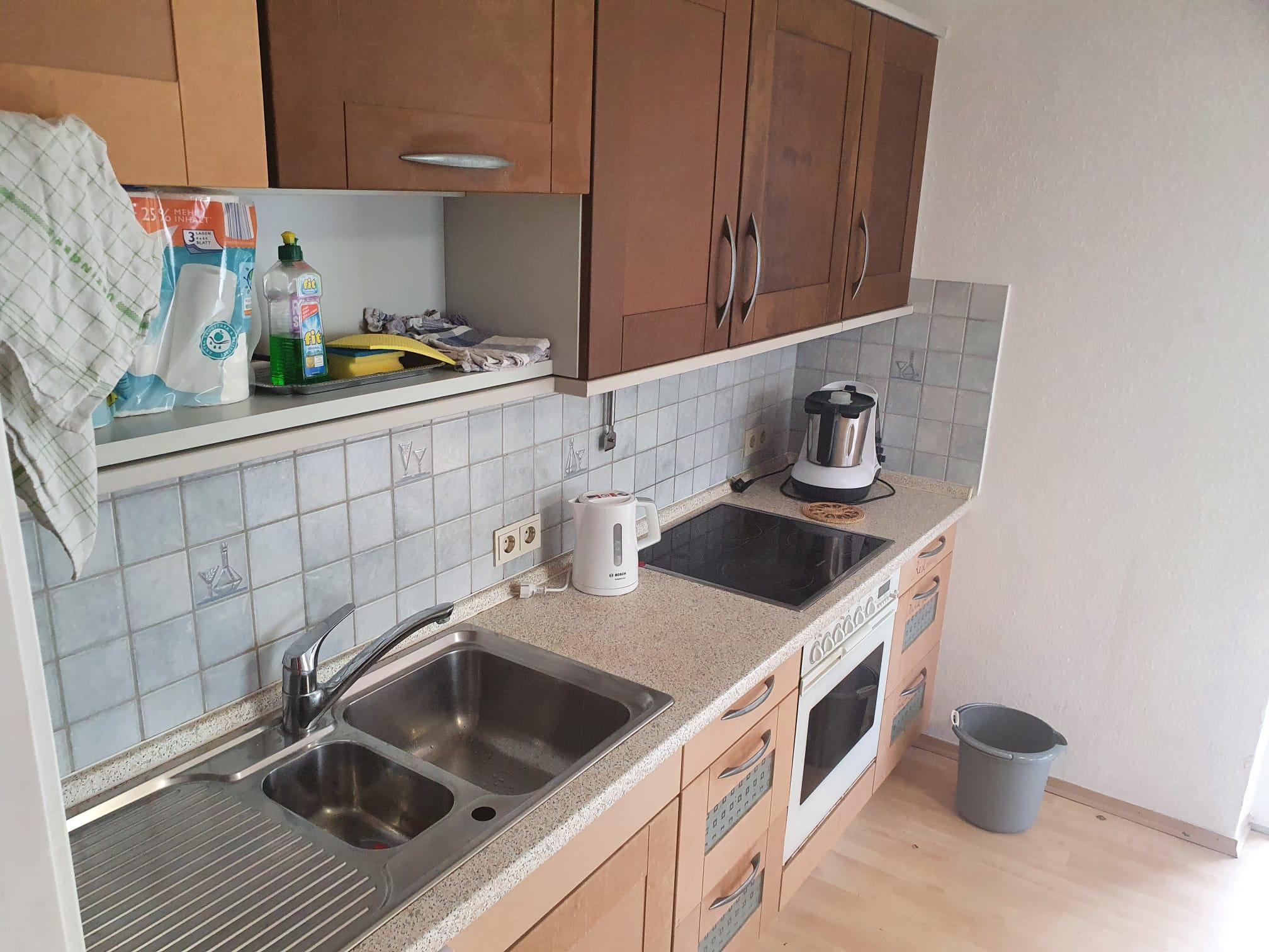 Küchenblock links von der Küchentür